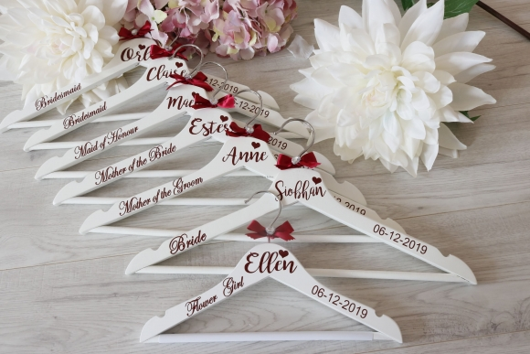 BRIDAL PARTY PERSONALISED HANGERS DISCOUNT